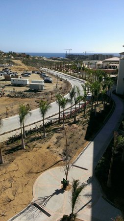 Secrets Puerto Los Cabos Golf & Spa Resort: Surrounded by construction