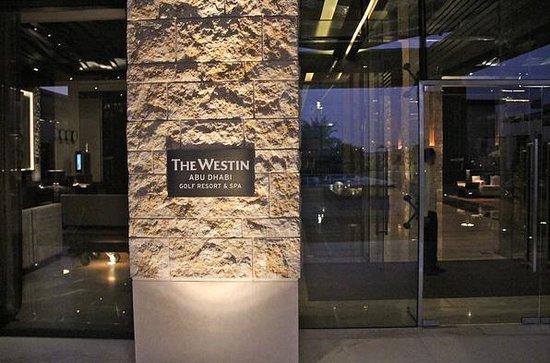 The Westin Abu Dhabi Golf Resort & Spa: Entrance