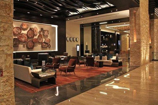 The Westin Abu Dhabi Golf Resort & Spa: Lobby