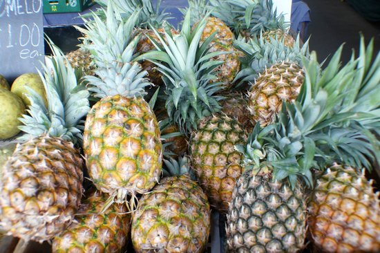 Rusty's Market: Fragrant fresh local pineapples
