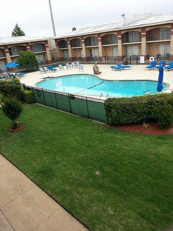 Howard Johnson Inn - Oklahoma City : View from private balcony