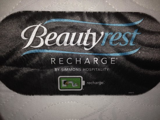 Gaylord Palms Resort & Convention Center: Beautyrest Recharge Matress