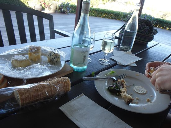 Two Fat Blokes Gourmet Tours: The remains of the excellent repast