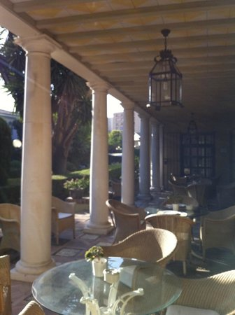 Hotel Villa Jerez: A lovely spot for a meal, a drink, a read, a converation!