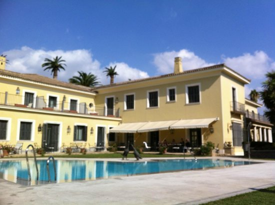 Hotel Villa Jerez: The pool was sparkling clear and perfect temperature!