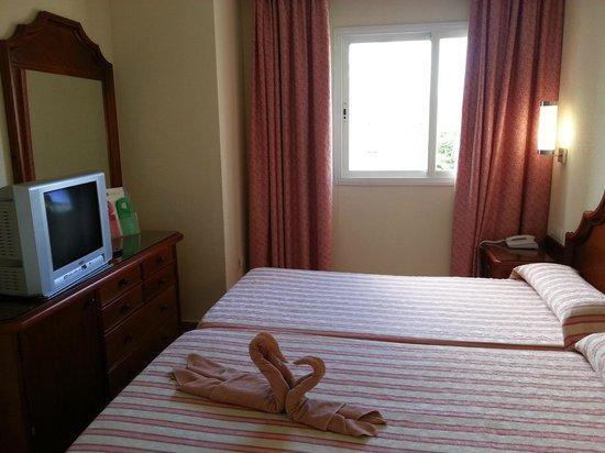 Hotel Riu Costa Lago: Camera