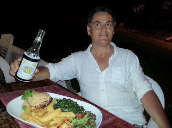 Simon & Oil's Sports Bar & Restaurant: Steak frites - Salitos