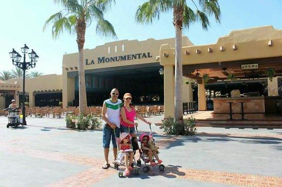 Hotel Riu Santa Fe: hermosa mañana en la plaza principal