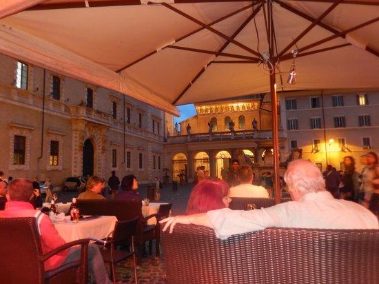 Hotel Santa Maria: the piazza