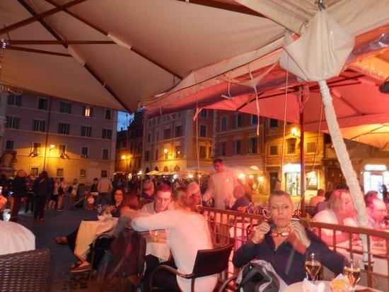 Hotel Santa Maria: The nearby piazza