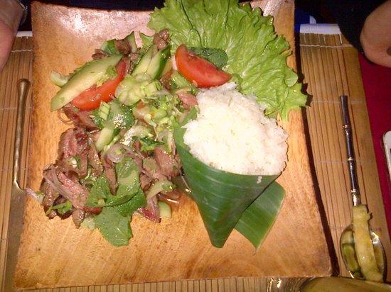 Konfusius : Yam Neua (Salade de boeuf)