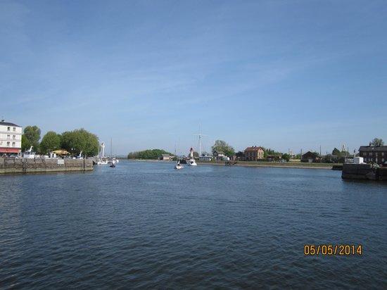 Le Vieux Bassin: View
