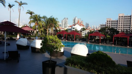 Novotel Singapore Clarke Quay: swimming pool at level 7,but go in by level 6
