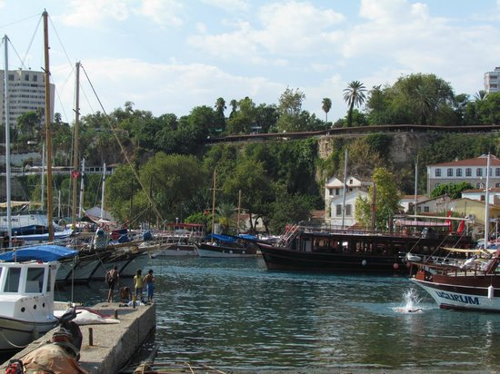 Harbour District/ Antalya Marina: Яхты в порту