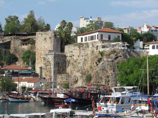 Harbour District/ Antalya Marina: Вид из порта
