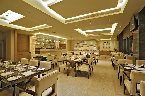 Country Inn & Suites by Radisson, Goa Panjim: Mosaic - All Day Dining Restaurant