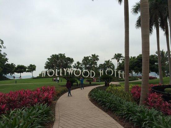 Disney's Hollywood Hotel : Holly wood hotel