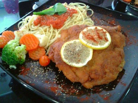 Swiss Italian Restaurant Cebu: Cordon Bleu - stuffed with parma, taleggio and mushrooms, served with Spaghetti and Vegetables