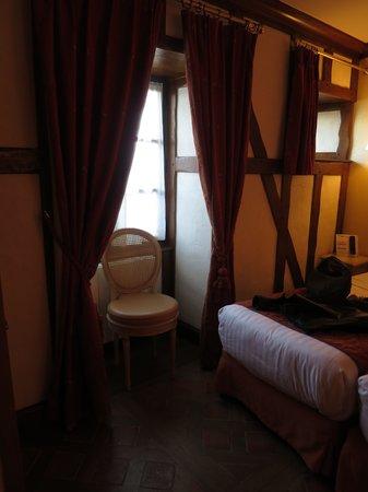 Auberge Saint-Pierre: 3名用客室2