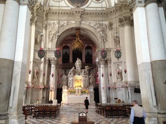 Santa Maria della Salute : Beautiful Stonework