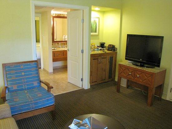 Pointe Hilton Squaw Peak Resort: Fridge, updated Bath and Vanity