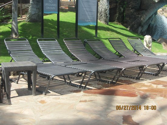 Westin Maui Resort And Spa : Sunlounger