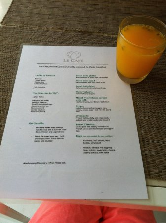 White Mansion: Breakfast menu with passion fruit juice