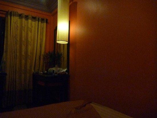 Golden Butterfly Villa: peaceful room
