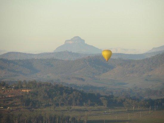 Hot Air Balloon Gold Coast: early morning balloon