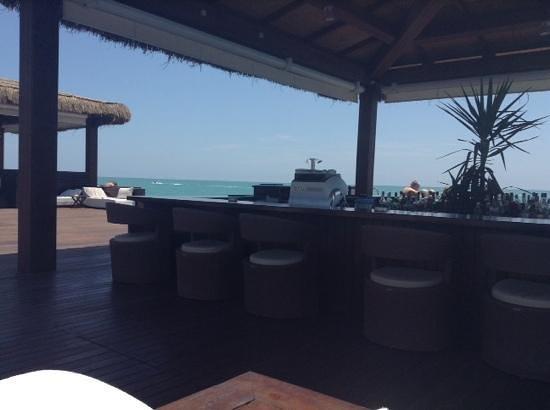 Gloria Serenity Resort : Strandbar auf dem Steg
