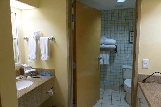 DoubleTree by Hilton Hotel Grand Key Resort - Key West: Bathroom