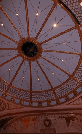 Royal Opera House: Spectacular ceiling