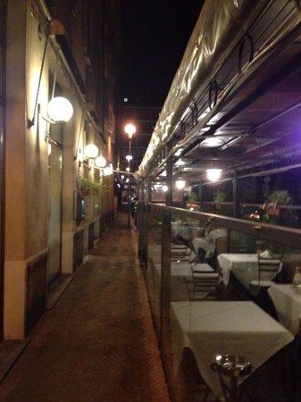 Side street terrasse of Il Trovatore