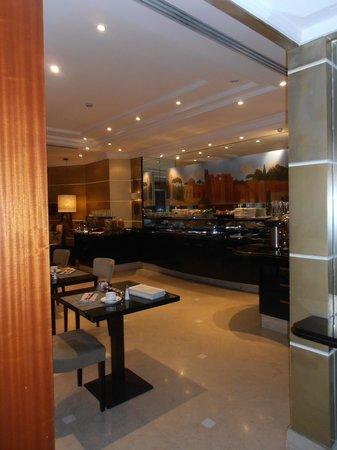Hotel Dei Mellini: Breakfast bar