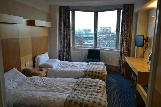 double twin room 1 picture of imperial hotel london. Black Bedroom Furniture Sets. Home Design Ideas