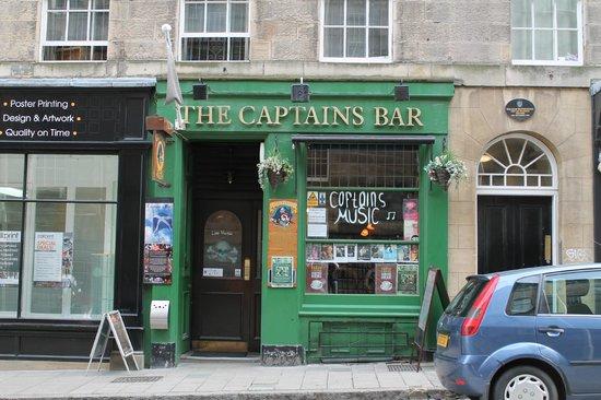 Captains Bar: Outside