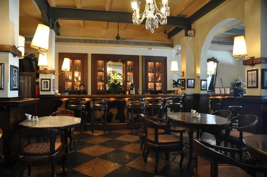 bar in old dutch colonial restaurant picture of cafe batavia rh tripadvisor co uk