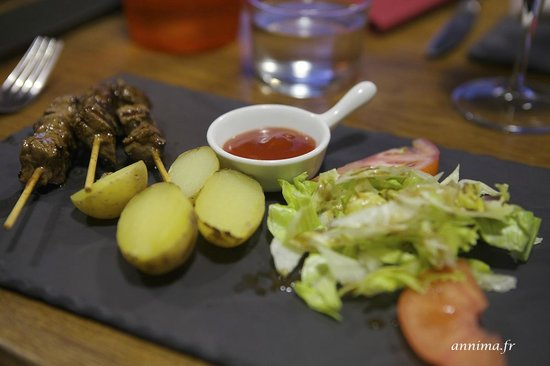 L'Escargot: plat brochettes enfants