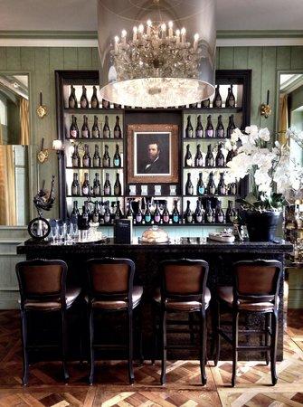 Beaumanoir: Champagne bar
