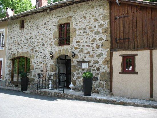 Le Roc du Boeuf: la façade et son entrée