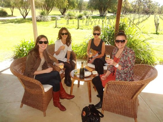 Taste The South Wine Tours: Enjoying an afternoon with bubblies at Mongrel Creek Vineyard