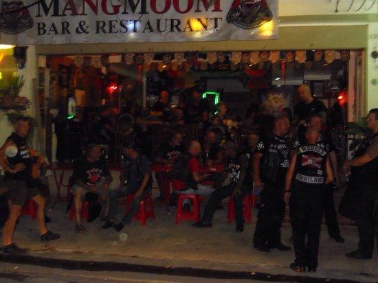 Mang Moom Bikerbar: Die Bar