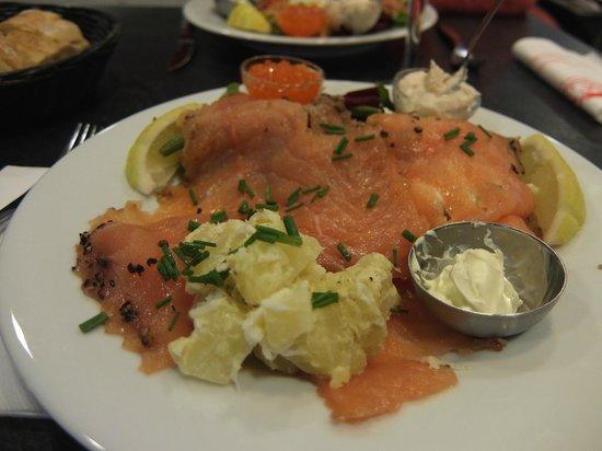 Olsen Butik : Suggestion du jour : une assiette très copieuse et très goûteuse, 20 euros sur place