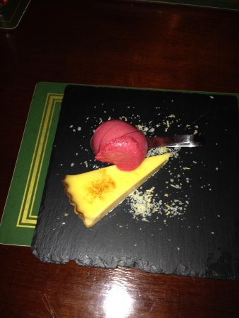 The George and Dragon Inn Restaurant: Lemon tart