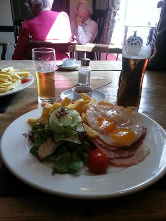 The Fleece Hotel: Ham Egg and Chips