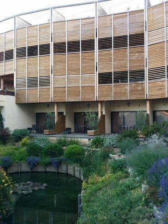 Clarion Suites Narbonne Ile Du Gua : vue extérieure