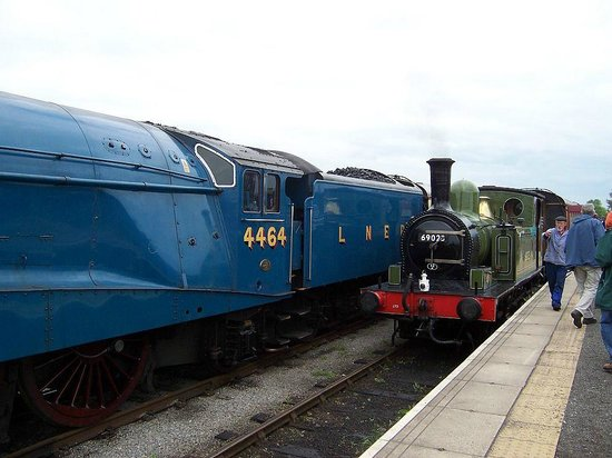 Wensleydale Railway : Bittern and JoeM
