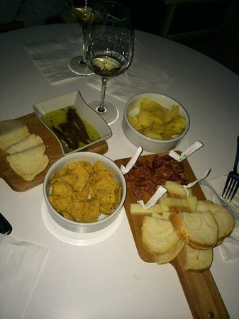 Vernazza Winexperience: Some of the snacks served