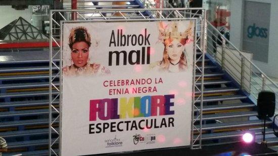 Albrook Mall: Show near foodcourt