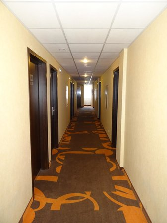 Baltiya Hotel: Коридор